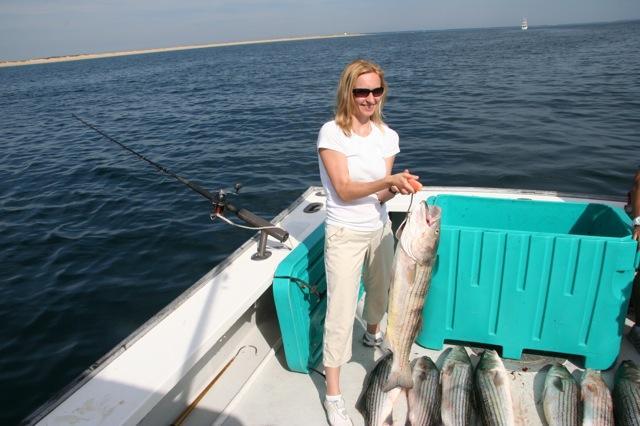 Cape cod bay striper fishing fantastic cape cod for Cape cod fishing charters